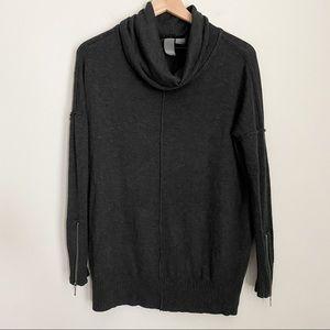 QUINN dark grey relaxed turtleneck sweater